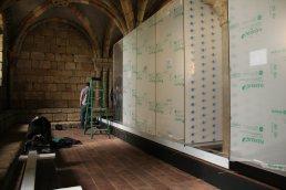 Frank Vitrine in Acryl 10,0 m x 1,1 m x 2,4 m (lxbxh)