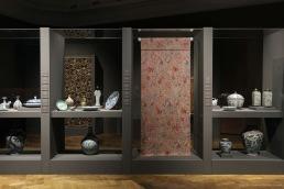 museum display showcases