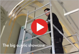 Video : the big acrylic showcase