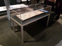 frank table case - Australian National Maritime Museum